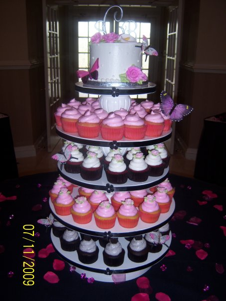 cupcake heaven and cafe ・ wedding cakes